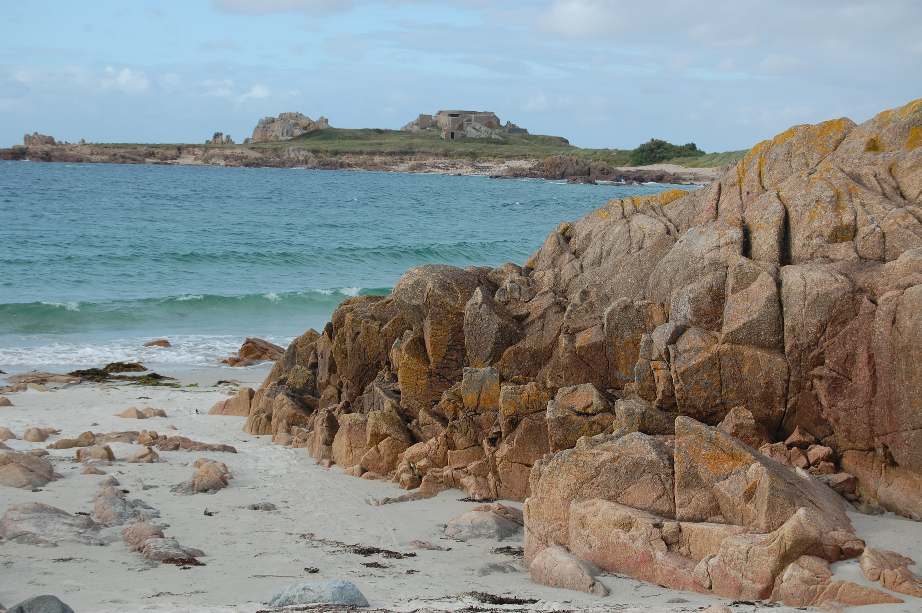 Cobo beach, rocky beach, English shore, Guernsey beach